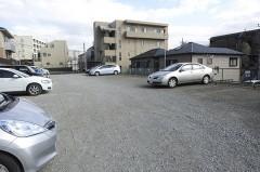 5.駐車場の一番奥が当クリニックの駐車場です